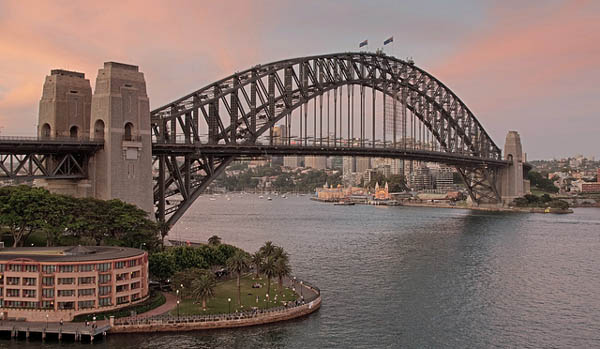 Harbor Bridge. Sydney, Australia