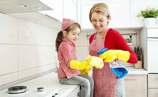 Some Health Benefits of Green Domestic Cleaning Routine